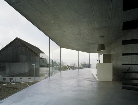 A casa de uma só parede projetada por Christian Kerez